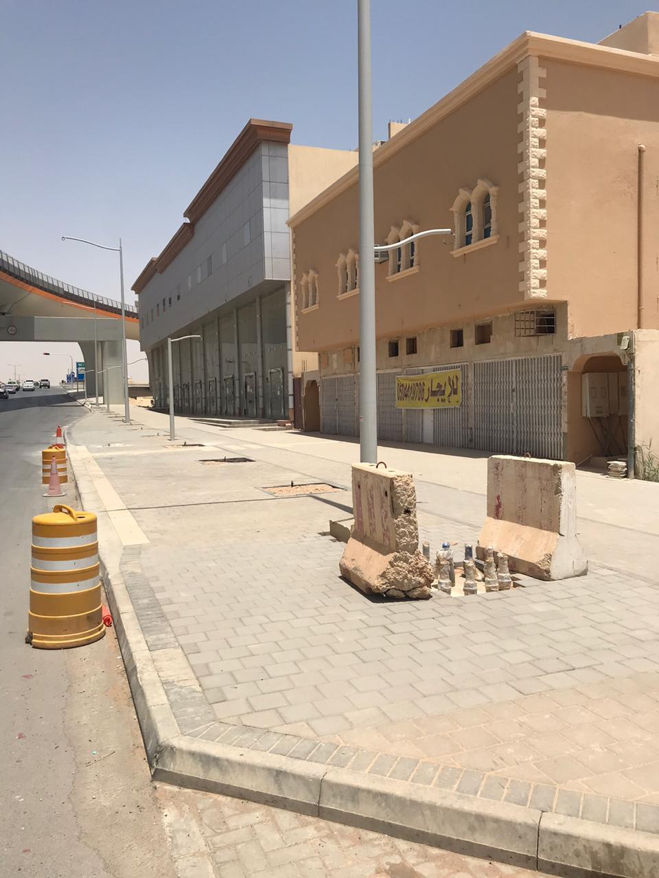 للبيع عمارة تجارية سكنية في حي طويق الرياض